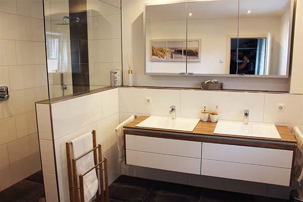 Badezimmer Sanierung Heitfeld nachher